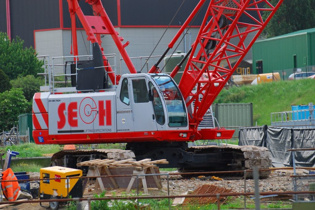 Single, multi, driver or driverless crane hire